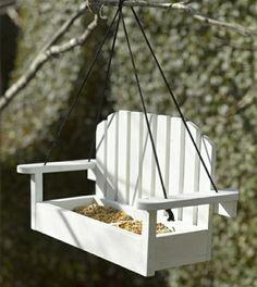 la mangeoire des oiseaux un bricolage facile faire avec. Black Bedroom Furniture Sets. Home Design Ideas