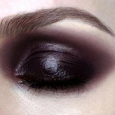 Goth Makeup, Eye Makeup Art, Dark Makeup, Makeup Inspo, Makeup Inspiration, Black Eye Makeup, Makeup Ideas, Silver Makeup, Brown Makeup