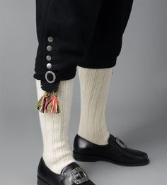 Strømper og hodebånd Leg Warmers, Legs, Fashion, Moda, Fashion Styles, Fashion Illustrations, Bridge, Bones