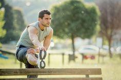 Quem pratica atividade física regularmente sabe bem os benefícios do alongamento.Alongar o corpo envia sangue para os músculos e