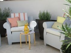#PascalDelmotte #interiordesign #design #decorating #residentialdesign #homedecor #colors #decor #designidea #terrace #chairs #pillows #decanter Outdoor Sofa, Outdoor Furniture Sets, Outdoor Decor, Design Agency, Terrace, Villa, Pillows, Interior Design, Chair