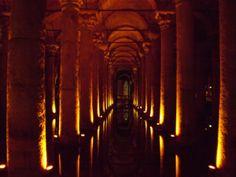 【武田 ほずえ様より 「イスタンブールの地下宮殿」(トルコ)】イスタンブールの地下宮殿(Basilica Cistern)。東ローマ帝国が作った巨大地下貯水槽。神秘的な光景。 http://www.his-j.com/tyo/cpn/pinterest/?cid=16197