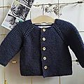 - And Felicie too! – Et Félicie aussi ! I propose here a model home cardigan for baby, corresponding to a size 12 months. This is a model -