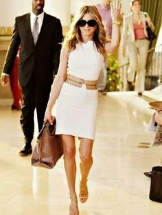 Jennifer Aniston - just go with it - great moment. I really really really want to enter a posh restaurant in my life like this