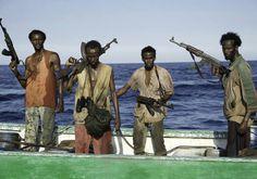 Pirati somali alquanto incazzati. Somali's pirates pretty upset. They were late to work.