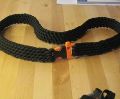 This is my first Instructable and i would appreciate your votes in the Paracord Contest! I will be showing you how to create a Paracord Rescue Belt.While bracelets can be ...