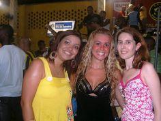 Mariana Miceli, Bruna Almeida (rainha de bateria da GRES SãoClemente) e a jornalista Flávia almas. — com Mariana Miceli, Bruna Almeida e Flávia Almas.