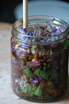 How To - Make Herbal Infusions And Preparations - Great instructions - great blog too, she answers questions:)