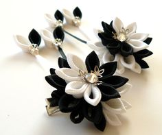 Kanzashi  Fabric Flowers. Set of 2 hair clips. Black and от JuLVa