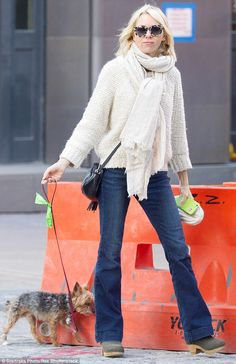 Planning a visit? Naomi Watts clutches Paris travel book for kids as she takes her tiny dog for a walk in New York : Daily Mail Celebrity waysify