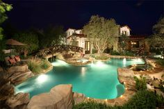 The landscaping is amazing not to mention the very cool pool