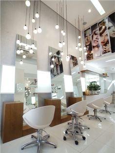 Resultado de imagen para ver salao de cabeleireiro montado na sala de casa bem simples Makeup Studio Decor, Beauty Salon Decor, Beauty Salon Design, Hair And Beauty Salon, Home Hair Salons, Hair Salon Interior, Salon Interior Design, Salon Lighting, Wall Decor Design