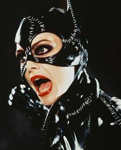 Michelle Pfeiffer Batman Returns As Catwoman Poster Catwoman Cosplay, Batman Et Catwoman, Im Batman, Joker, Michelle Pfeiffer, Creepy Halloween Costumes, Halloween Face Makeup, Catwoman Selina Kyle, Batman Returns