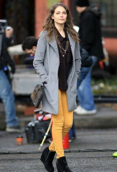 Willa Holland & Colton Haynes: 'Arrow' Set on the Streets Willa Holland, Thea Queen, The Oc, Gossip Girl, Colton Haynes Arrow, Tall Girl Fashion, Fashion Women, Hollywood Fashion, Hollywood Style