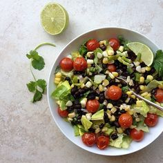 Black Bean, Roasted Corn & Tomato Salad -- The Simple Veganista Vegan Lunches, Vegetarian Lunch, Vegetarian Recipes, Vegan Meals, Healthy Salad Recipes, Raw Food Recipes, Lunch Recipes, Healthy Meals, Black Bean Corn Salad