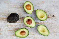 5 ways with avocado (Jamie Oliver (UK)) Healthy Meals For Two, Healthy Living Tips, Healthy Summer, Healthy Foods To Eat, Vegetable Dishes, Vegetable Recipes, Guacamole, Crockpot, Yogurt