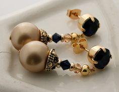 Handcrafted indigo blue / dark blue and gold earrings van Fedaro op Etsy