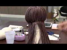 Mulher.com - 21/03/2016 - Dicas de pintura de rostinhos de bonecas e cabelinhos - Vivi Prado 1 - YouTube