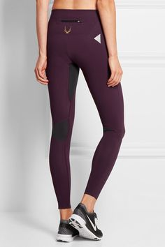 Lucas Hugh High Intensity Workout, Workout Attire, Stretch Fabric, Fitness Fashion, Feel Good, Core, Burgundy, Sneakers Nike, Leggings