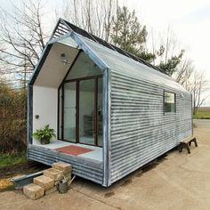 Micro home tiny house shepherds hut amazing beautiful contemporary modern i Best Tiny House, Modern Tiny House, Tiny House Design, Tiny House Builders, Tiny House Plans, Tiny House On Wheels, Mini Cabins, Tiny House Trailer, Shepherds Hut