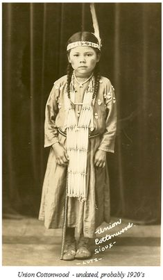 Indian Histories, from Cadotte to Drags Wolf Individuals) as told to Col. Native Child, Native American Children, Native American Pictures, Native American History, Native American Indians, Vintage Children Photos, Native Indian, Blackfoot Indian, Red Indian