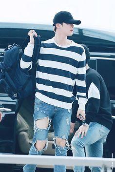 170513 BTS Jin at Incheon International Airport © beat mode do not edit, crop, or remove the watermark Jimin, Bts Jin, Jungkook Jeon, Jin Kim, Bts Bangtan Boy, Bts Boys, Seokjin, Namjoon, Taehyung