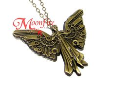 In TID, Tessa wears a Clockwork Angel necklace with her at all times, and it protects her from death. This Clockwork Angel pendant has been painstakingly crafted to model the angel featured on the cov Angel Necklace, Pendant Necklace, Tessa Gray, Clockwork Princess, Lady Midnight, Clockwork Angel, Cassie Clare, Angel Pendant, The Dark Artifices