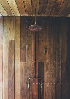 Incredible use of timber in the bathroom at Sunday House by Teeland Architects (via Lunchbox Architect)