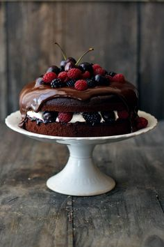 Black Forest Cake source More cake & cookies & baking inspiration! Sweet Recipes, Cake Recipes, Dessert Recipes, Cupcakes, Cupcake Cakes, Black Forest Cake, Berry Cake, Cookies Et Biscuits, Let Them Eat Cake
