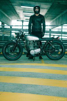 Sr400 by Drifter Bikes.