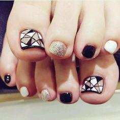 Fußnägel lackieren Glitzer