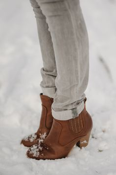 A pair of Gap jeans as featured on the blog Sidewalk Ready.