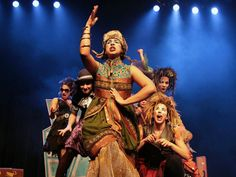 """O grupo As Meninas do Conto apresenta o espetáculo """"Bruxas, Bruxas e mais Bruxas"""" em unidades do CEU em São Paulo. A entrada é Catraca Livre."""