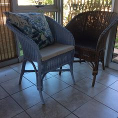 Worth the three days of painting to liven up an old wicker chair. Love the Annie Sloane chalk paint! Old Wicker Chairs, Annie Sloan Chalk Paint, Three Days, Outdoor Furniture, Outdoor Decor, Bench, Painting, Home Decor, Decoration Home