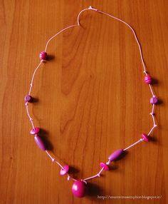 Tante piccole idee realizzate: Collana con perle di legno colora.