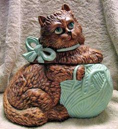 California Originals Green-Eyed Cat w/Ball of Yarn Cookie Jar $24.74