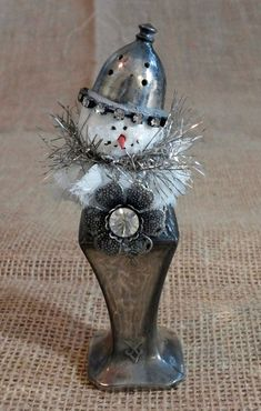 Vintage Salt Shaker Snowman from AVintageMouse on Etsy - Christmas Crafts Christmas Ornaments To Make, Christmas Love, Country Christmas, Christmas Snowman, Handmade Christmas, Vintage Christmas, Christmas Holidays, Christmas Decorations, Christmas Ideas