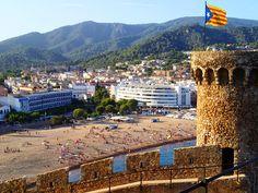 lady in black: Tossa de Mar, A Pearl of Costa Brava Coast #spain #cataluna #catalansko #spanielsko #visitspain #visitacataluna #costabrava #traveltips #traveleurope #travel #travelblogging #visiteurope #placestogo #oldtown #placestogo #placestosee #coast #mediterranean #espana #espanaturismo #turismo #europa #holiday #holidaydestination #vacation