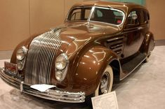 Vintage Cars My Dream Car: 1934 Chrysler Airflow! Chrysler Airflow, Chrysler Cars, Cars Usa, Us Cars, Chrysler Voyager, Ford Fairlane, Classic Sports Cars, Classic Cars, Retro Cars