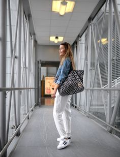 http://nettenestea.com/ready-for-boarding/   comfy travel outfit