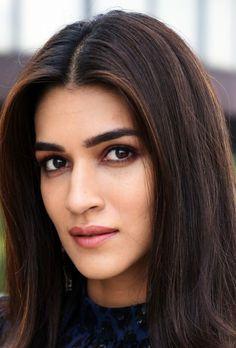 Hot Images Of Actress, Indian Actress Hot Pics, Most Beautiful Indian Actress, Indian Actresses, Indian Bollywood Actress, Bollywood Actress Hot Photos, Bollywood Girls, Indian Celebrities, Bollywood Celebrities