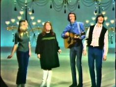 The Mamas And The Papas - California Dreaming.. and nobodiezz gettin fat ceppt mama cass... u mean my mommy! LOL!