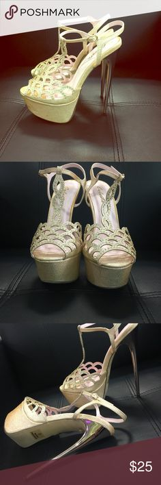 Evening heel very sexy ! Platform heel gold for that perfect night out! shelsa  Shoes Heels