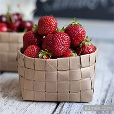 How to make a paper fruit basket from a paper grocery bag. Perfect for holding fruit, cookies, flowers, and much more!
