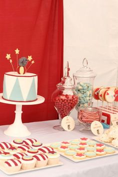 The sweetest little circus party- more pictures of invites, cake, candy bar and other details through link. | hello naomi
