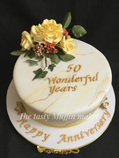 Golden Anniversary Rose cake by Andrea - Modern Golden Anniversary Rose cake by Andrea Anniversary Cake Pictures, Golden Anniversary Cake, 50th Wedding Anniversary Cakes, Anniversary Flowers, Jelly Roll Cake, Cupcakes, Rose Cake, Occasion Cakes, Wedding Cake Designs
