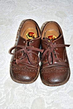 VINTAGE BUSTER BROWN KIDS SZ 8 LEATHER SADDLE SHOES from 1950's