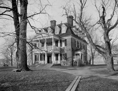William Henry Jackson, Shirley Plantation, James River, Virginia, Source: Library of Congress Shirley Plantation, Southern Plantation Homes, Southern Plantations, Plantation Houses, Southern Homes, Plantation Style Homes, Southern Mansions, Abandoned Mansions, Old Houses