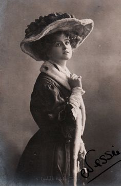 Miss Gabrielle Ray, edwardian stage actress. 1900s (decade)