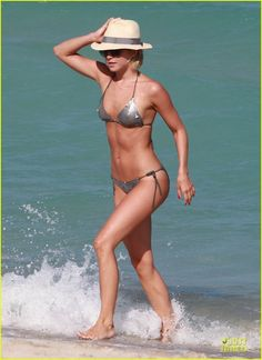 Julianne Hough - body crush!